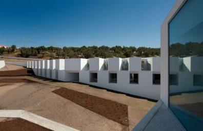 Alcacer-DO-SAL-FORM-από-Άιρες Mateus-αρχιτέκτονες-φωτογραφία-Fernando-και-Sergio-Πολέμου-Yatzer-1