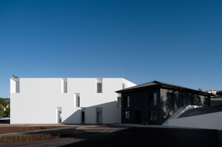 ALCACER-DO-SAL-FORM-by-Aires-Mateus-architects-photo-Fernando-and-Sergio-Guerra-yatzer-14