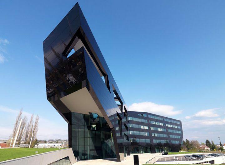 Μαύρος Πάνθηρας--από-GSArchitects-φωτογραφία-Gerald-Liebminger-Yatzer-11