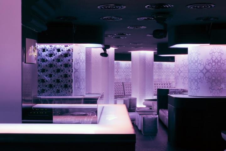 10_SquareONE_the_shade_club