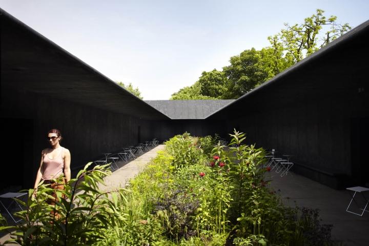 07_Peter_Zumthor_Serpentine_Gallery_Pavilion_2011