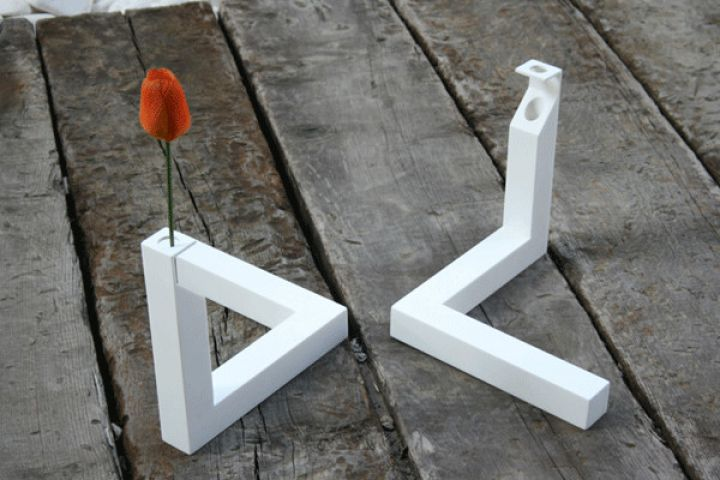 Impossible-Triangle-Vase-2