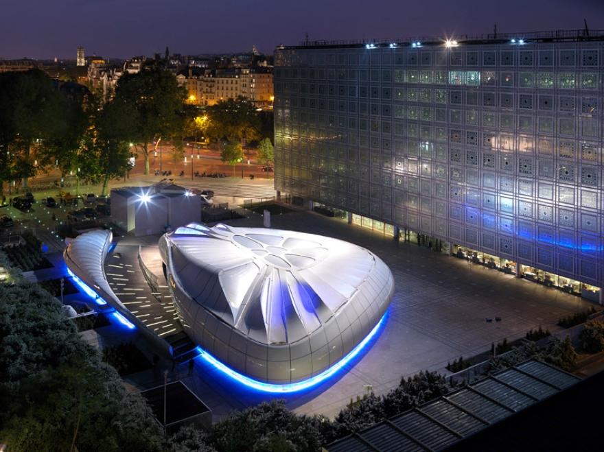 Mobile Art Pabellón 13 de Zaha Hadid
