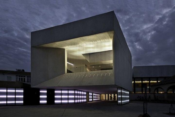 Theater-Almonte-Architektur 000
