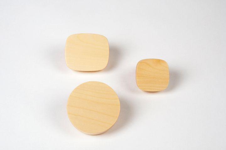 小さな木製のオブジェクトのバランスBelnotes LOW