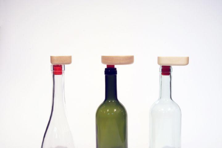 小さな木製のオブジェクトのバランスのワインストッパーBelnotes LOW