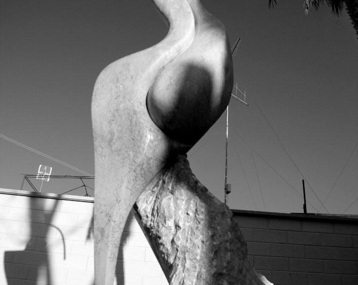 1Donna Frau Trani cm Stein 250x60x60 von Emanuele Rubini 5