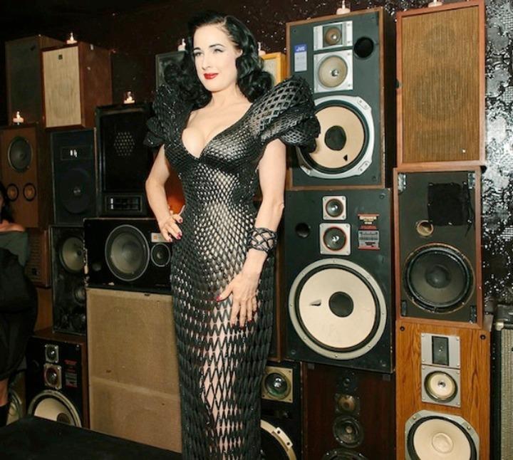 Dita Von Teese φόρεμα 3d 06 εκτύπωση