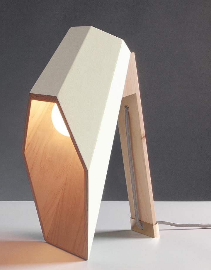 Alessandro Zambelli λάμπα woodspot Κοινωνικής Σχεδιασμός Magazine-01