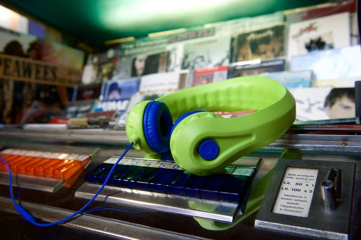Electric HeadFoamsPro jukebox