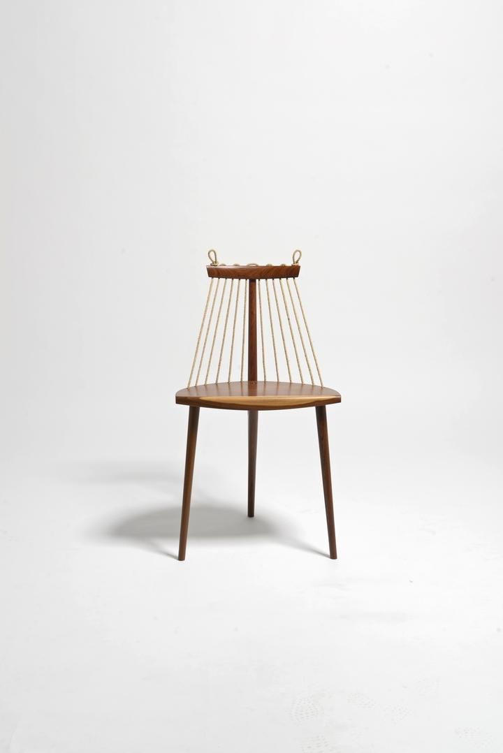 Chair 3 feet Ricardo Graham Ferreira social magazine-02 design