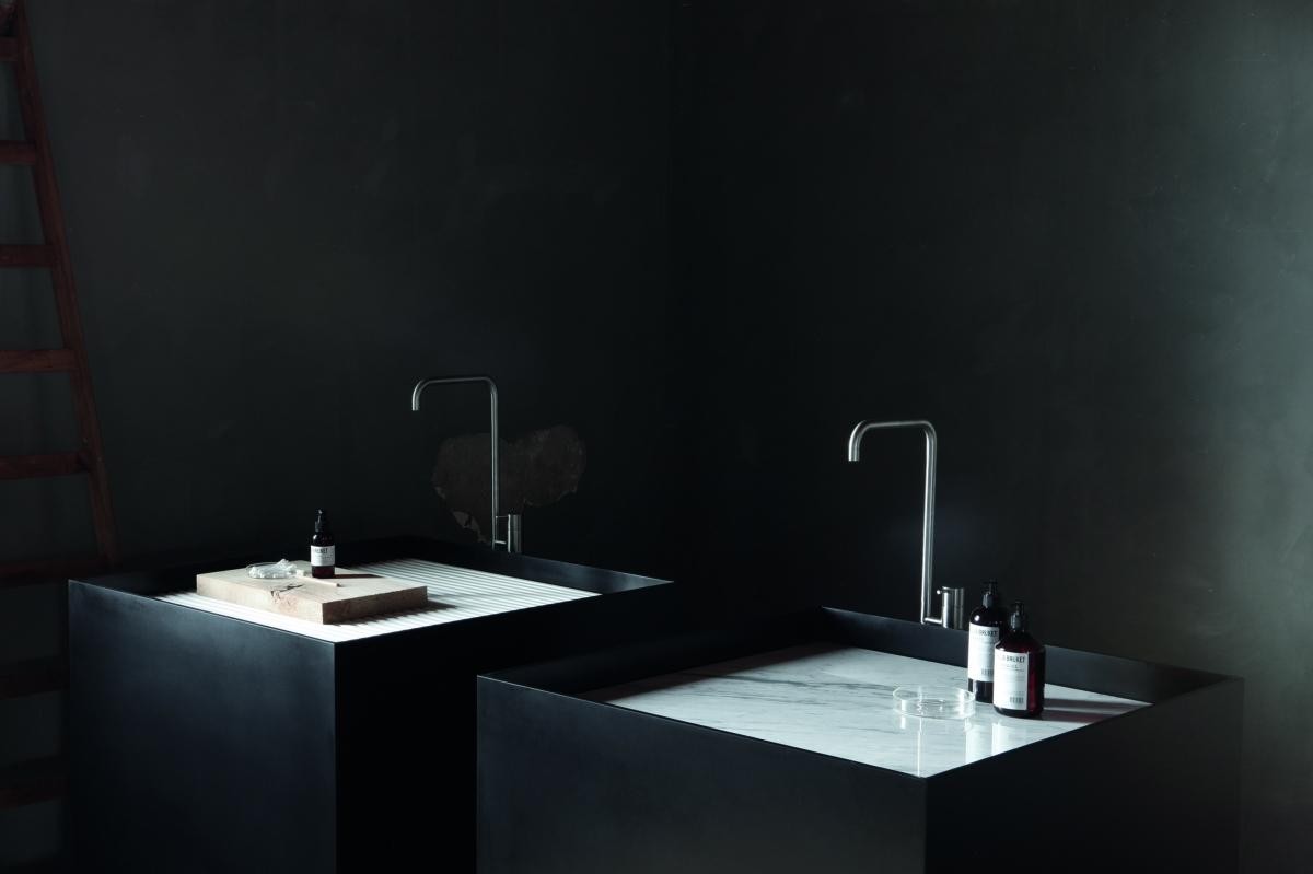 Hallo-Macs Licht und Farbe in das Waschbecken im Badezimmer Schwarz Nicht nur Weiß