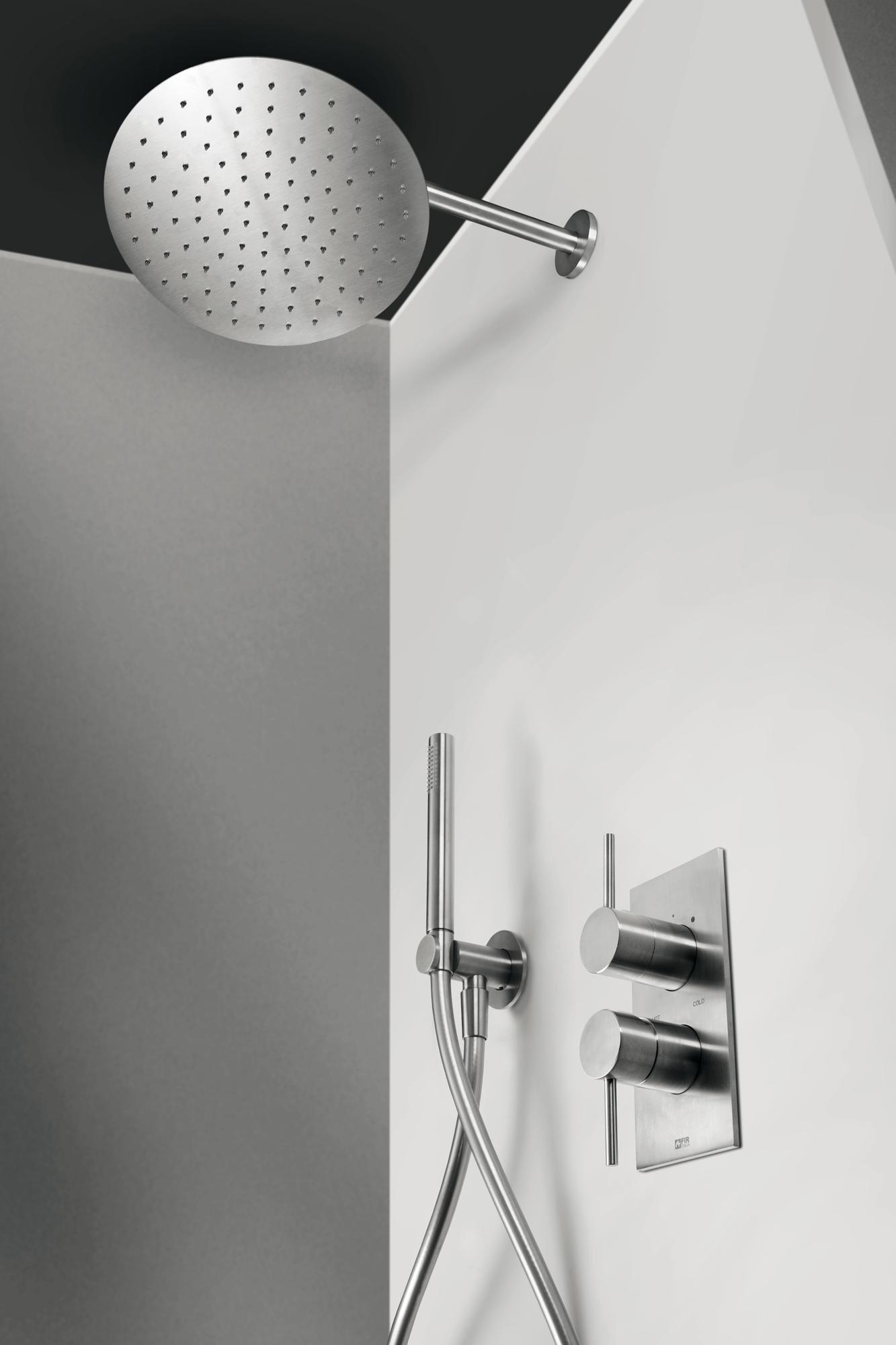 Dusche Konfiguration CleoSteel 48 mit Kopfbrause Wand, Duschkopf und Brausearmatur. Fertig Edelstahl gebürstet