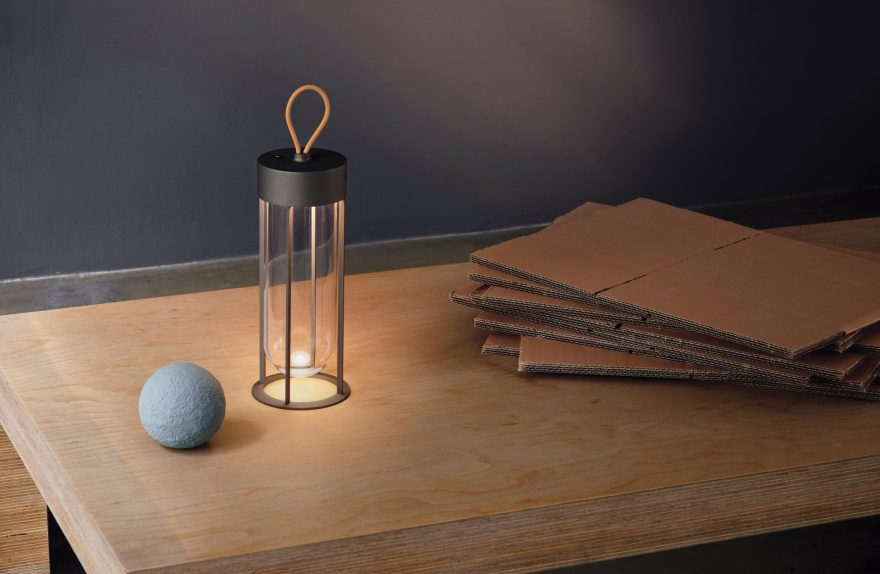 In Vitro Unplugged ασύρματη επιτραπέζια λάμπα, Philippe Starck για FLOS